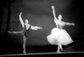 The Australian Ballet performs 'Giselle' at The Victorian Arts Centre, 2001